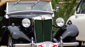 Im Frühjahr benötigen Oldtimer und Cabrios besondere Pflege